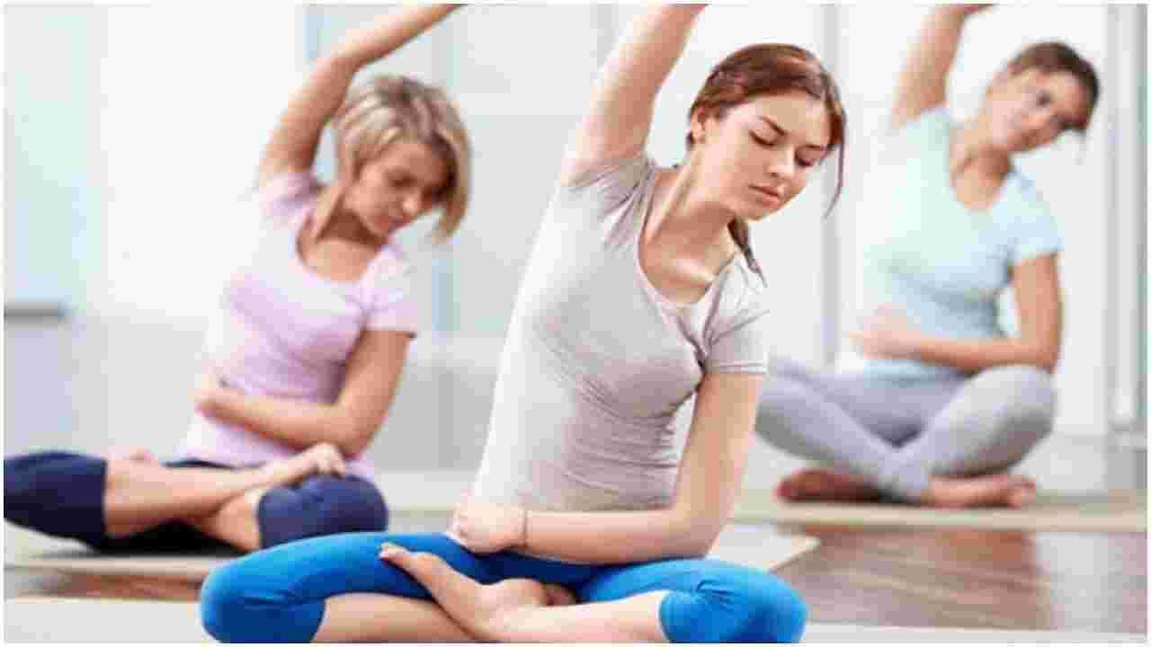 व्यायाम - जर तुमचे ध्येय वजन कमी करणे असेल तर हलका व्यायाम करायला विसरू नका. अगदी लहान क्रिया देखील आपल्याला चरबी जाळण्यास आणि रक्त परिसंचरण वाढविण्यात मदत करू शकतात.