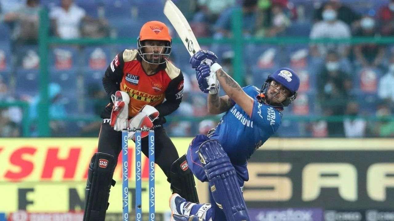 इशान किशनने मुंबईच्या डावाच्या चौथ्या षटकात आपल्या 50 धावा पूर्ण केल्या. फक्त केएल राहुल हा त्याच्यापेक्षा वेगवान कामगिरी करू शकला. त्याने 2018 मध्ये दिल्ली डेअरडेव्हिल्स (दिल्ली कॅपिटल्स) विरुद्ध 2.5 षटकांत 50 धावा पूर्ण केल्या होत्या. नंतर 2019 मध्ये त्याने चेन्नई सुपर किंग्जविरुद्ध चार षटकांत 50 धावा पूर्ण केल्या होत्या.