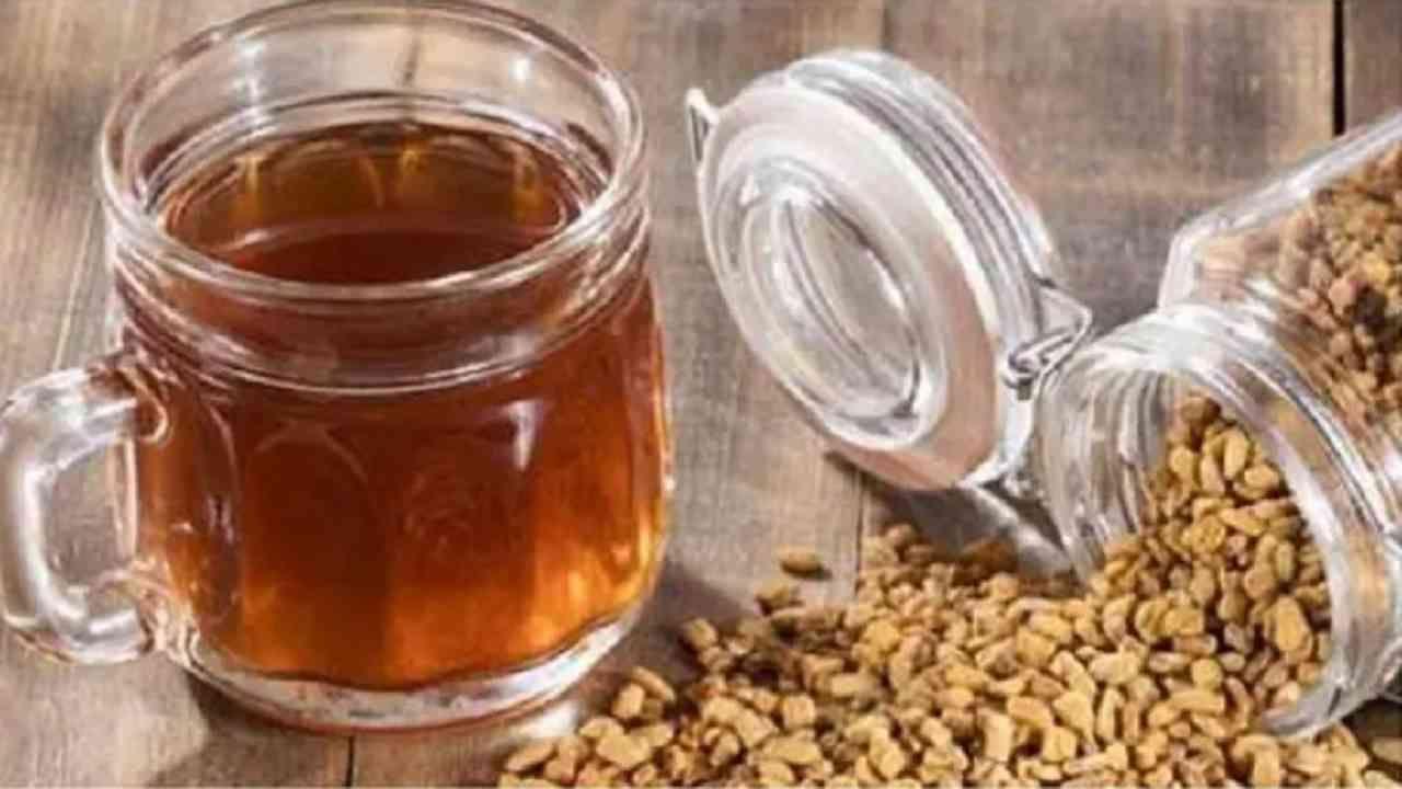 वाढलेले वजन कमी करण्यासाठी तुळशीचा चहा अत्यंत फायदेशीर आहे. हा चहा आपल्याला सुधारित पचनासह अन्न पचविण्यात देखील मदत करेल.