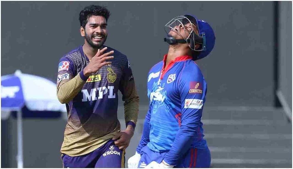 केकेआरने या मोसमात शारजाहमध्ये 3 सामने खेळले आहेत. यापैकी दोन सामने त्यांनी दिल्ली आणि RCB विरुद्ध खेळले आहेत, आणि या दोन्ही सामन्यांमध्ये त्यांच्या गोलंदाजांनी एकही षटकार खाल्ला नाही. दुसरीकडे, दिल्ली कॅपिटल्स हा आयपीएल 2021 मध्ये सर्वात कमी 60 षटकार ठोकणारा संघ आहे.