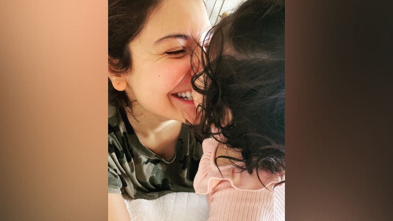 Bollywood actress Anushka Sharma and her husband cricketer Virat Kohli are currently busy becoming a great parent for their children.  This popular couple seems to be constantly enjoying their parenting.
