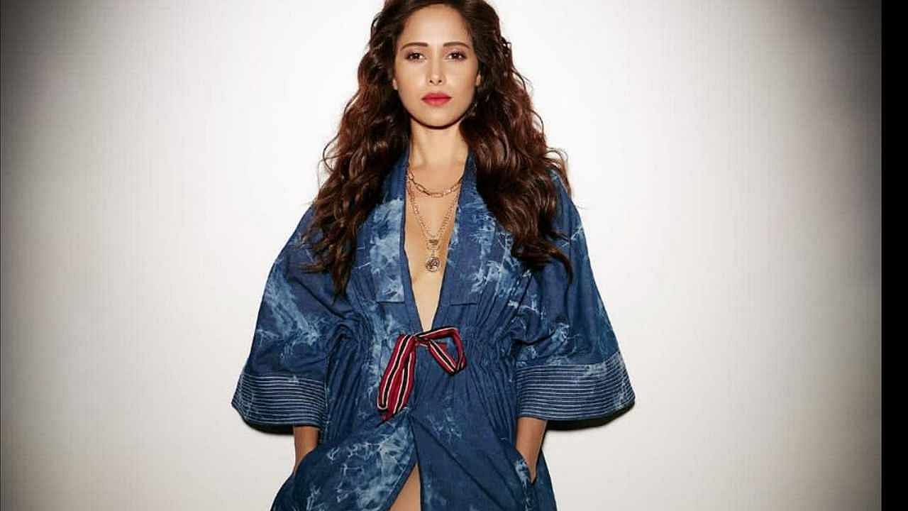 In the photos shared by the actress, she is seen wearing a denim jacket.