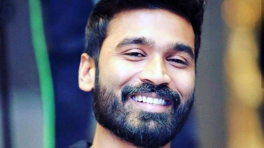Dhanush, the superstar of South Indian cinema, will soon be seen in 'The Gray Man'.  Directed by Anthony and Joe Russo (Avengers Fame), the film is an action thriller based on Mark Granny's first novel.  The film also stars Ryan Gosling and Chris Evans.  The bow will probably be in the role of the head of one of the teams playing Ryan Gosling as the killer and former CIA operative court gentry.