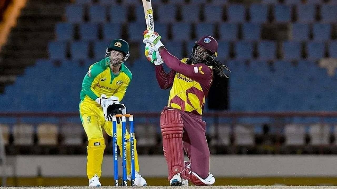 टी20 मध्ये तूफानी फलंदाज म्हटलं तर सर्वात पहिलं नाव वेस्ट इंडिजच्या ख्रिस गेलचच (Chris Gayle) येत. त्याने प्रत्यक प्रकारत्या टी20 सामन्यात स्वत:चा जलवा दाखवला आहे. आतापर्यंत टी20 विश्वचषकाच्या 28 सामन्यात त्याने तब्बल 60 षटकार खेचले असून तो अव्वल स्थानावर आहे.