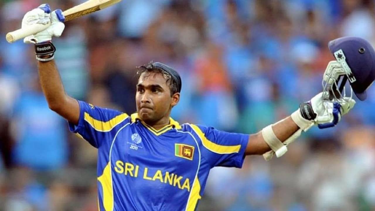 पाचव्या नंबरवर लागतो माजी दिग्गज श्रीलंकन क्रिकेटर महेला जयवर्धने (mahela jayawardene ). शांत स्वभावाच्या महेलाने 31 टी20 विश्वचषकाच्या सामन्यात 25 षटकार खेचले आहेत.