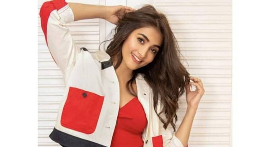 Pooja, the second runner up of Miss Universe in 2010.  Pooja Hegde is active in both South and Bollywood.  Although she did not get the place she wanted in Bollywood, she did get it in Telugu cinema, today Pooja is one of the highest paid actresses in the South.  She charges up to Rs 3.5 per film.