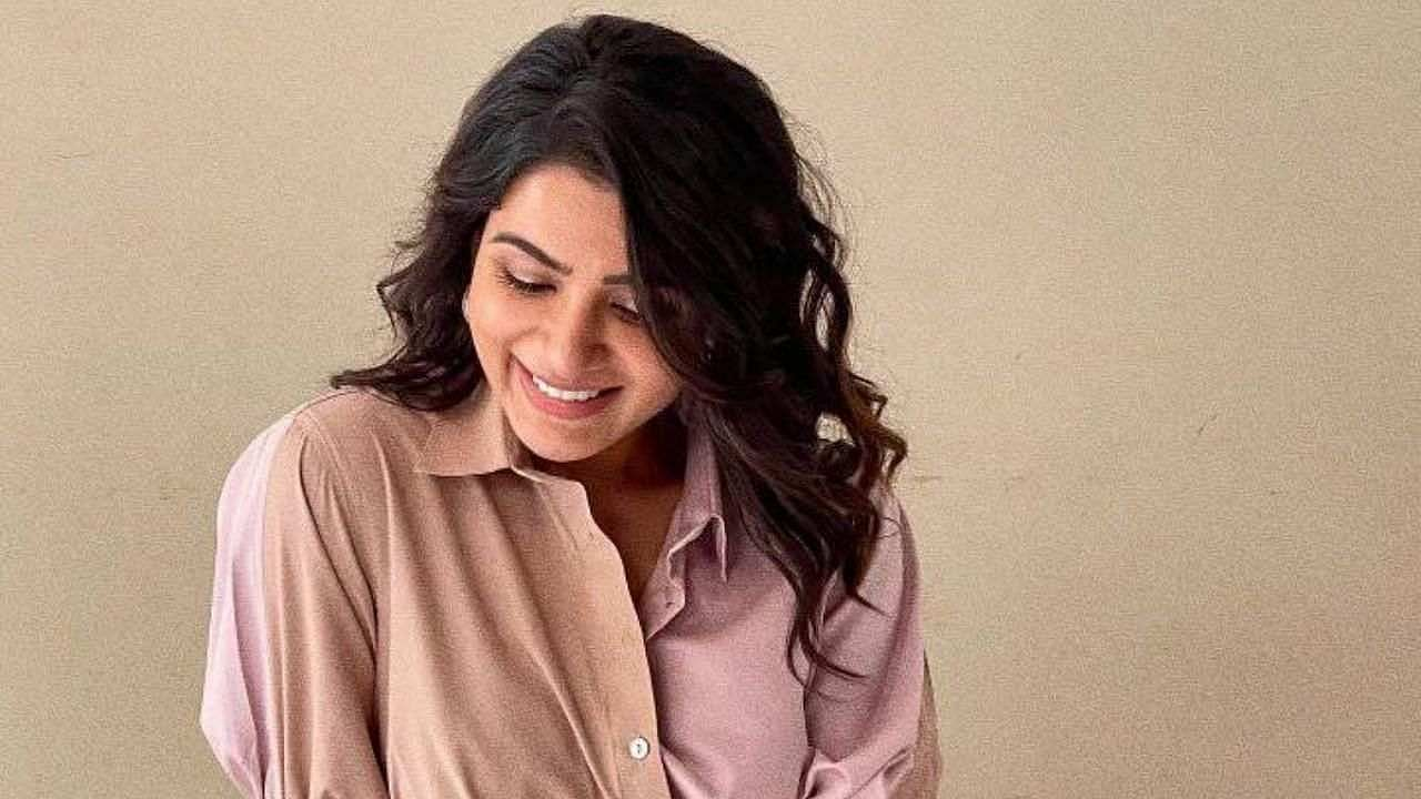 Southern sensation Samantha Prabhu is known for her style and excellent acting.  She charges up to Rs 2 crore for each of her films.  According to reports, she may soon step foot in Bollywood.