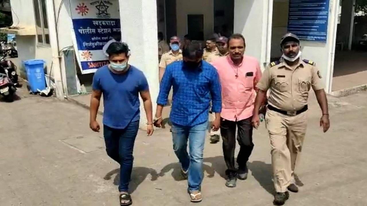 Administrator betel nut for school ownership in Kalyan